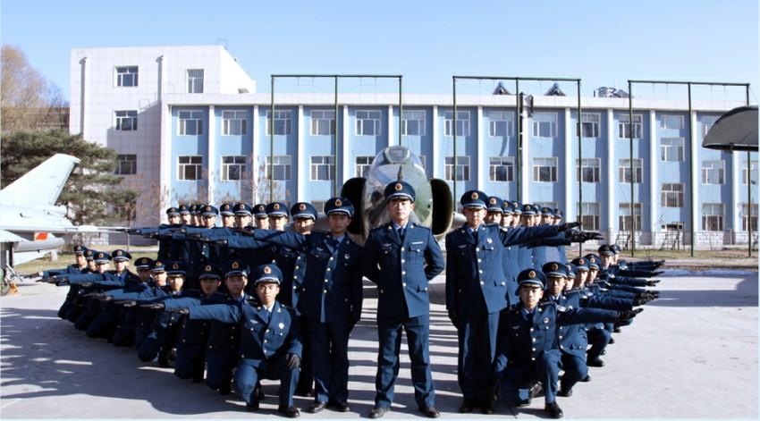 空军飞行少年军校 2011级.jpg